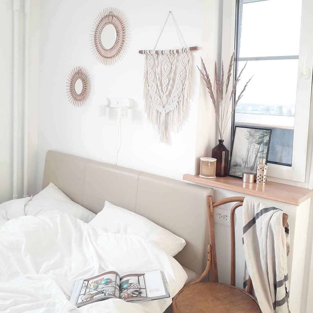 Аксессуары в белой спальне-2