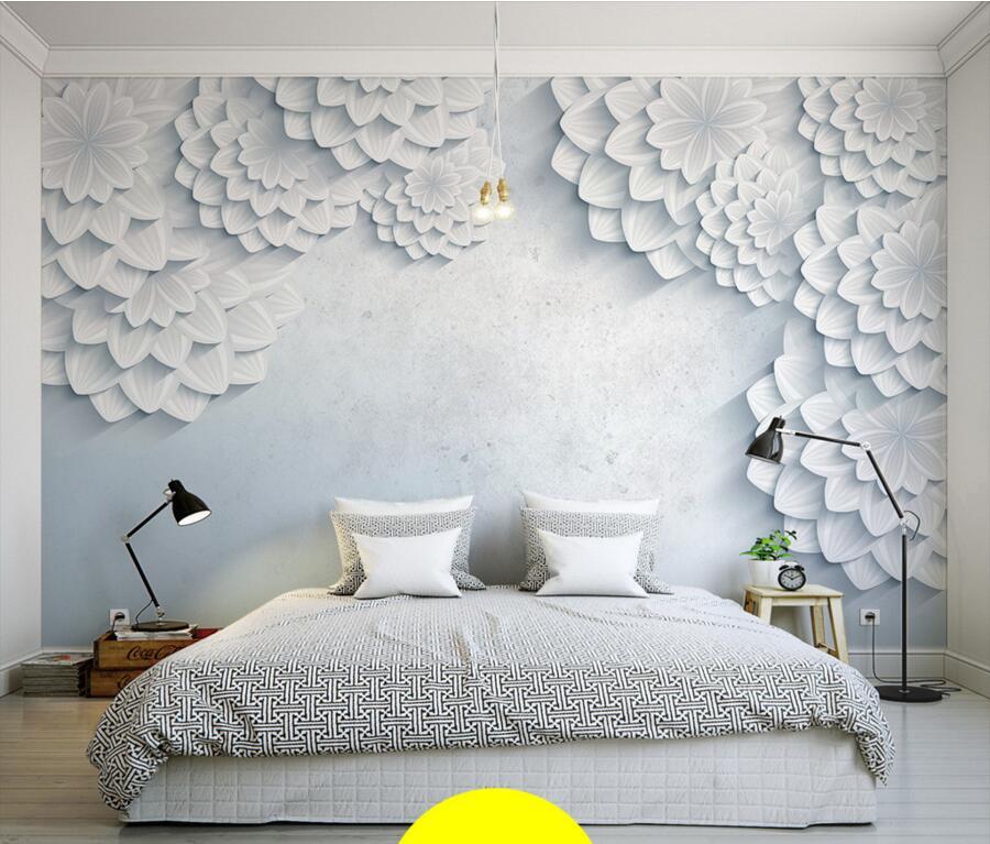 Фото белых 3д фотообоев с цветочным узором.