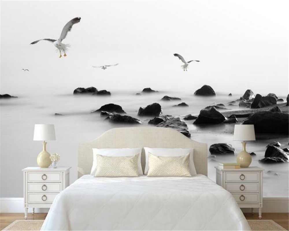 Фото стены спальни с объемными 3д-обоями с чайками.