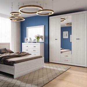 Цветовые акценты в белой спальне