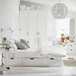 Мебель в белой спальне