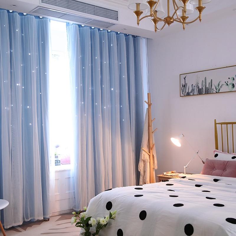 Воздушные шторы в белой спальне
