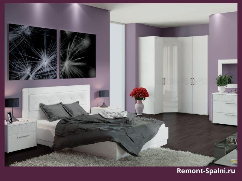 Фото сиреневой спальни с белой мебелью
