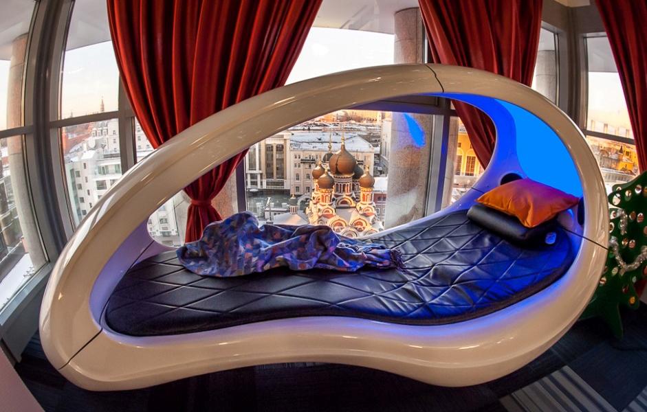 """Обустраиваем спальню в стиле хай-тек [100+ фото] - идеи футуристичного интерьера для поклонников """"умных"""" технологий"""
